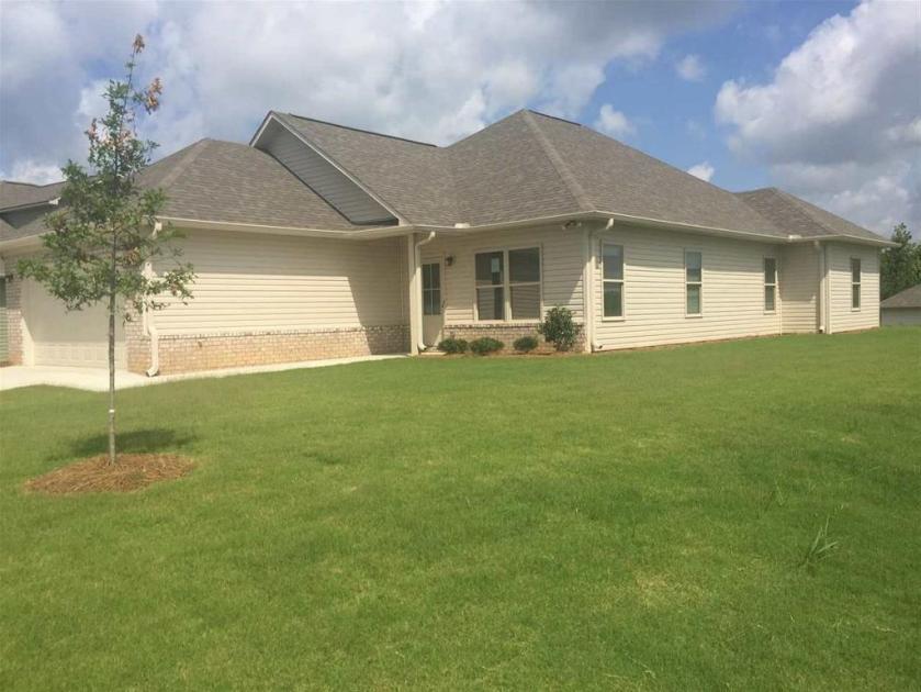 Property for sale at 100 Brookside Way, Calera,  Alabama 35040