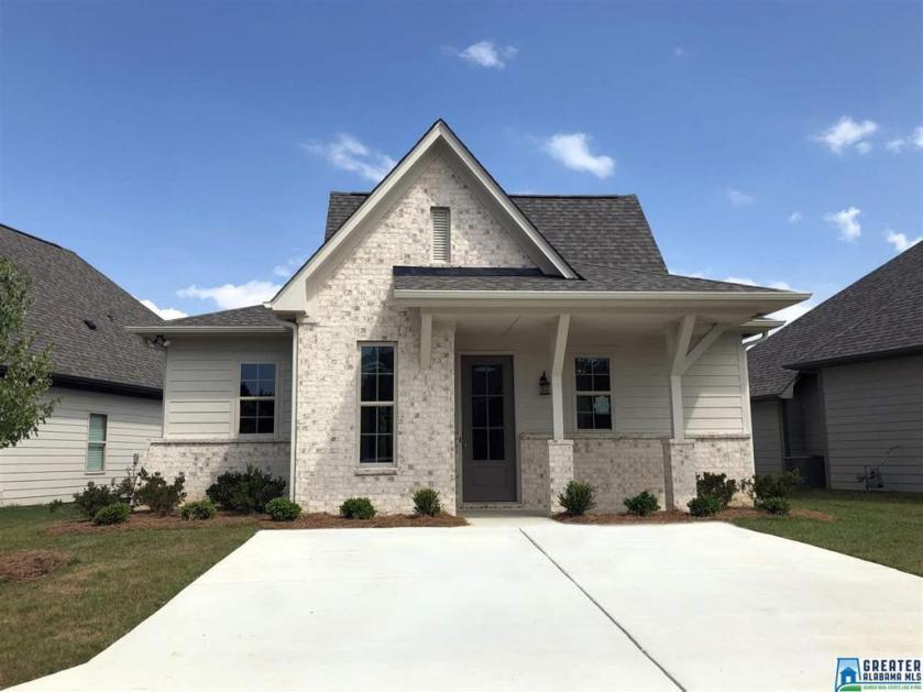 Property for sale at 2022 Preston Ln, Chelsea,  Alabama 35043