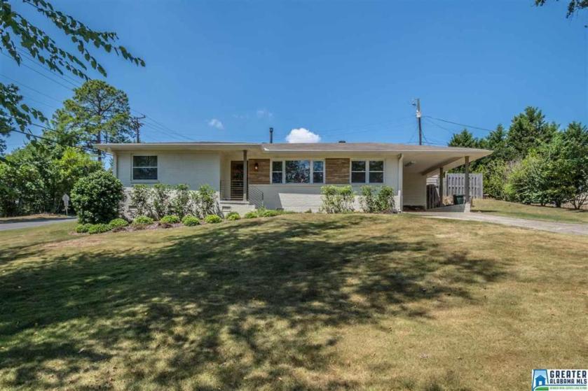 Property for sale at 528 Eastwood Pl, Vestavia Hills,  Alabama 35216