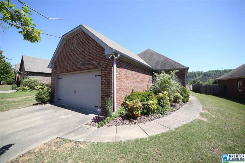 Property for sale at 2717 Oxmoor Glen Dr, Birmingham,  Alabama 35211