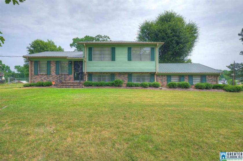Property for sale at 4100 Hazelwood Rd, Adamsville,  Alabama 35005