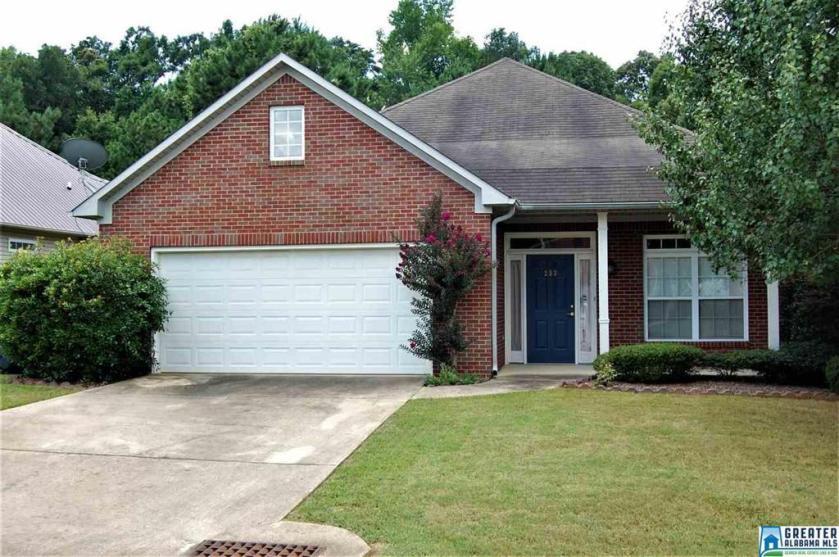 Property for sale at 233 Lakewood Cir, Adamsville,  Alabama 35005