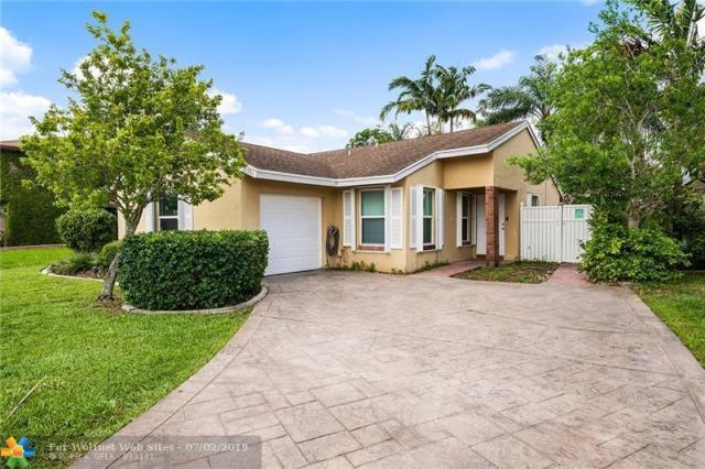 Property for sale at 13731 Oak Ridge Dr, Davie,  Florida 33325