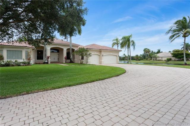 Property for sale at 13233 SW 43 St, Davie,  Florida 33330