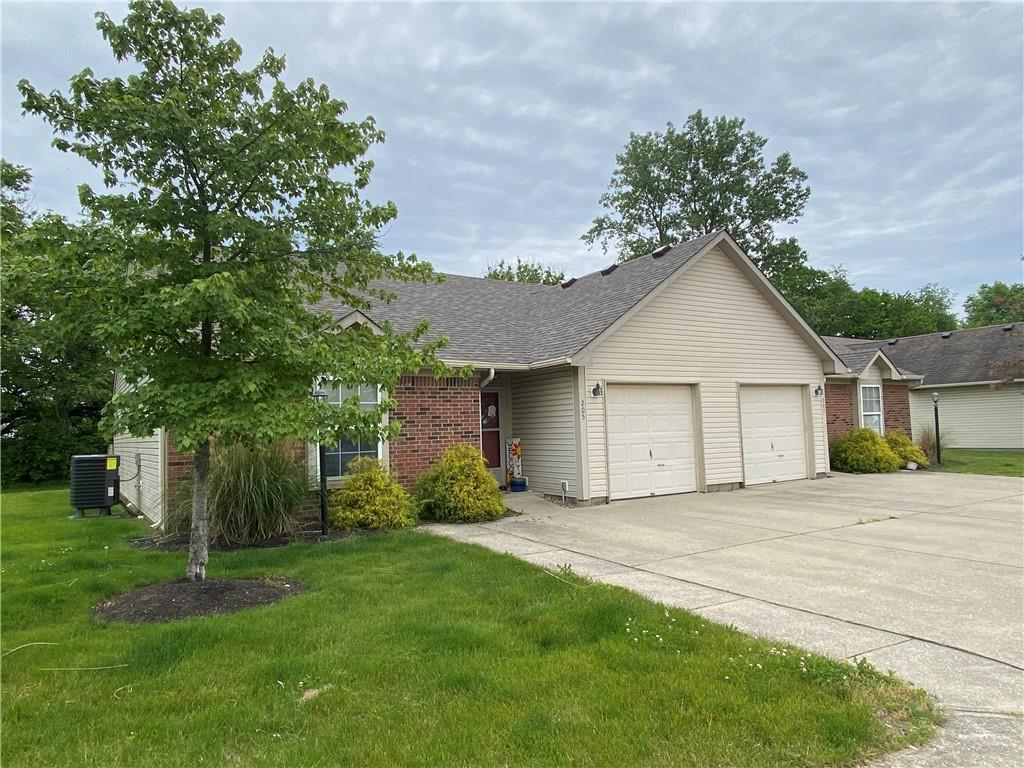Property for sale at 205 Woodberry Drive, Danville,  Indiana 46122