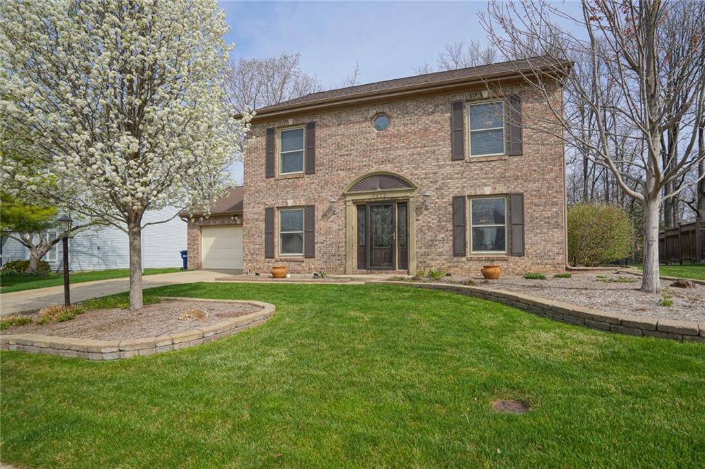 Property for sale at 7622 Meadow Ridge Drive, Fishers,  Indiana 46038