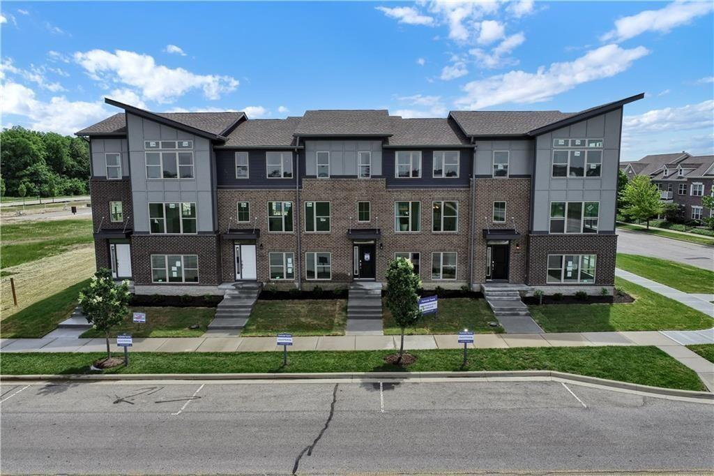 Property for sale at 13306 Saxony Boulevard W, Fishers,  Indiana 46038