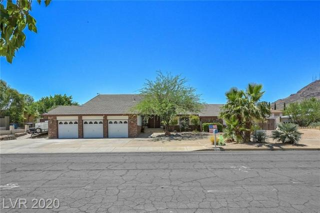 Property for sale at 221 Sherwood Drive, Henderson,  Nevada 89015