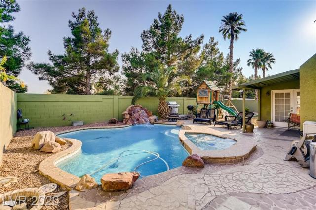 Property for sale at 1087 Aspen Breeze Avenue, Las Vegas,  Nevada 89123