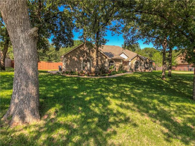 Property for sale at 12221 Maple Ridge Lane, Guthrie,  Oklahoma 73044
