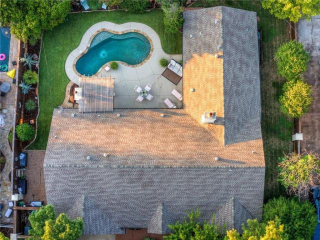 Property for sale at 1609 Drakestone Avenue, Nichols Hills,  Oklahoma 73120