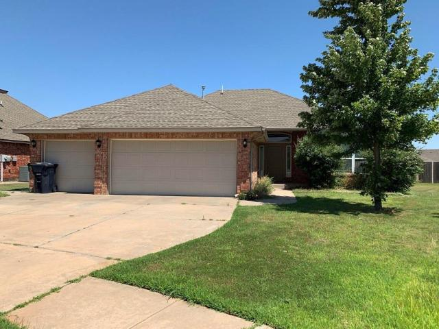 Property for sale at 10213 SW 28th Circle, Yukon,  Oklahoma 73099