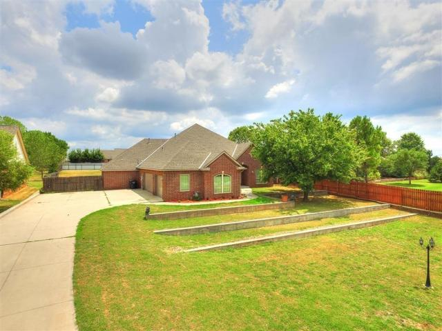 Property for sale at 308 S Wyndemere Springs, Moore,  Oklahoma 73160