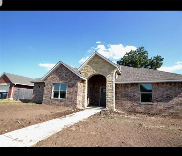 Property for sale at 900 Heather Lane, Moore,  Oklahoma 73160