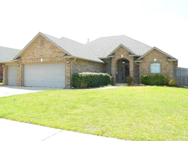 Property for sale at 1101 Kelsi Drive, Moore,  Oklahoma 73160