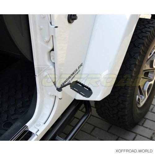 small resolution of  exterior door pedal footrest black jeep wrangler jk tj yj