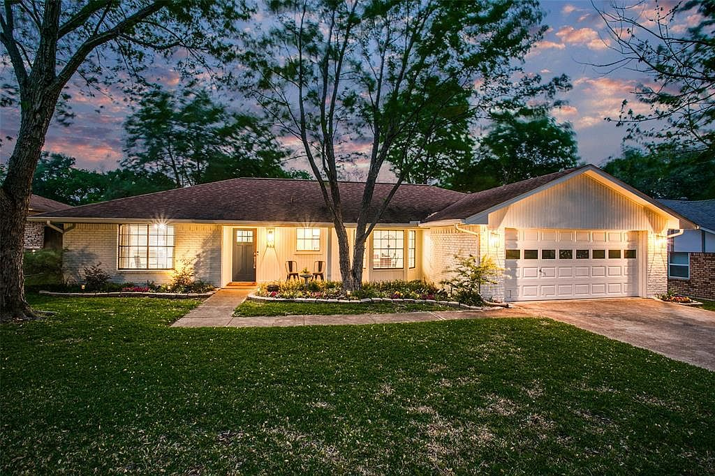 833 yellowstone dr grapevine tx 76051 mls 14566016 zillow