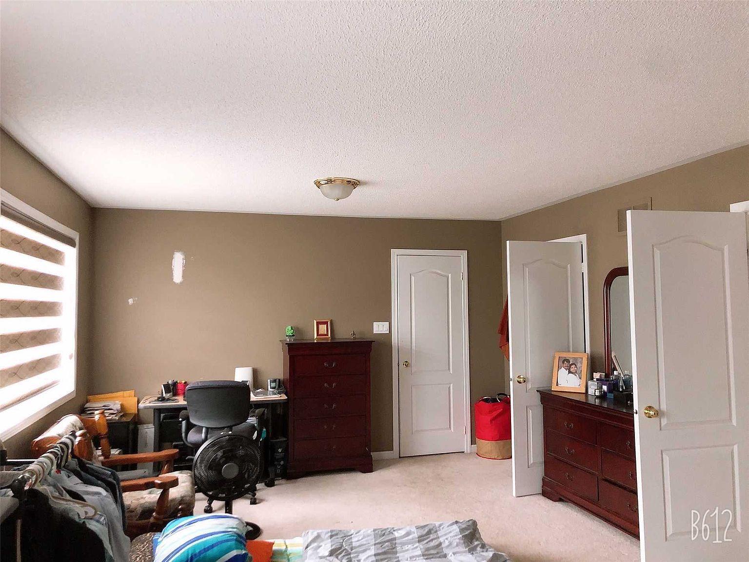 2302 Grand Oak Trl W Oakville On L6m 4x2 Zillow