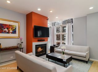 2046 W Willow St Apt B Chicago Il 60647 Zillow