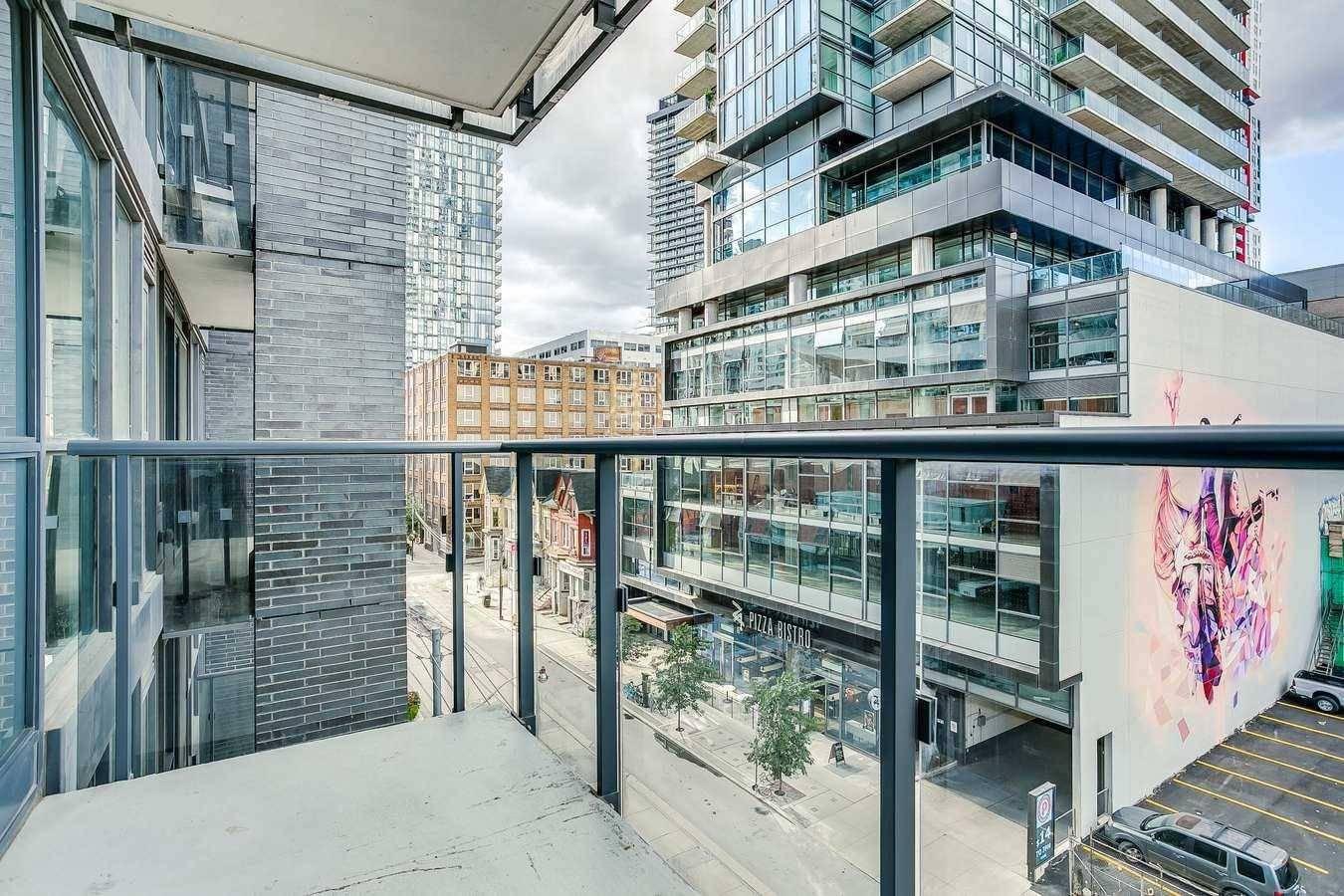 502 - 295 Adelaide Street Toronto 595 000
