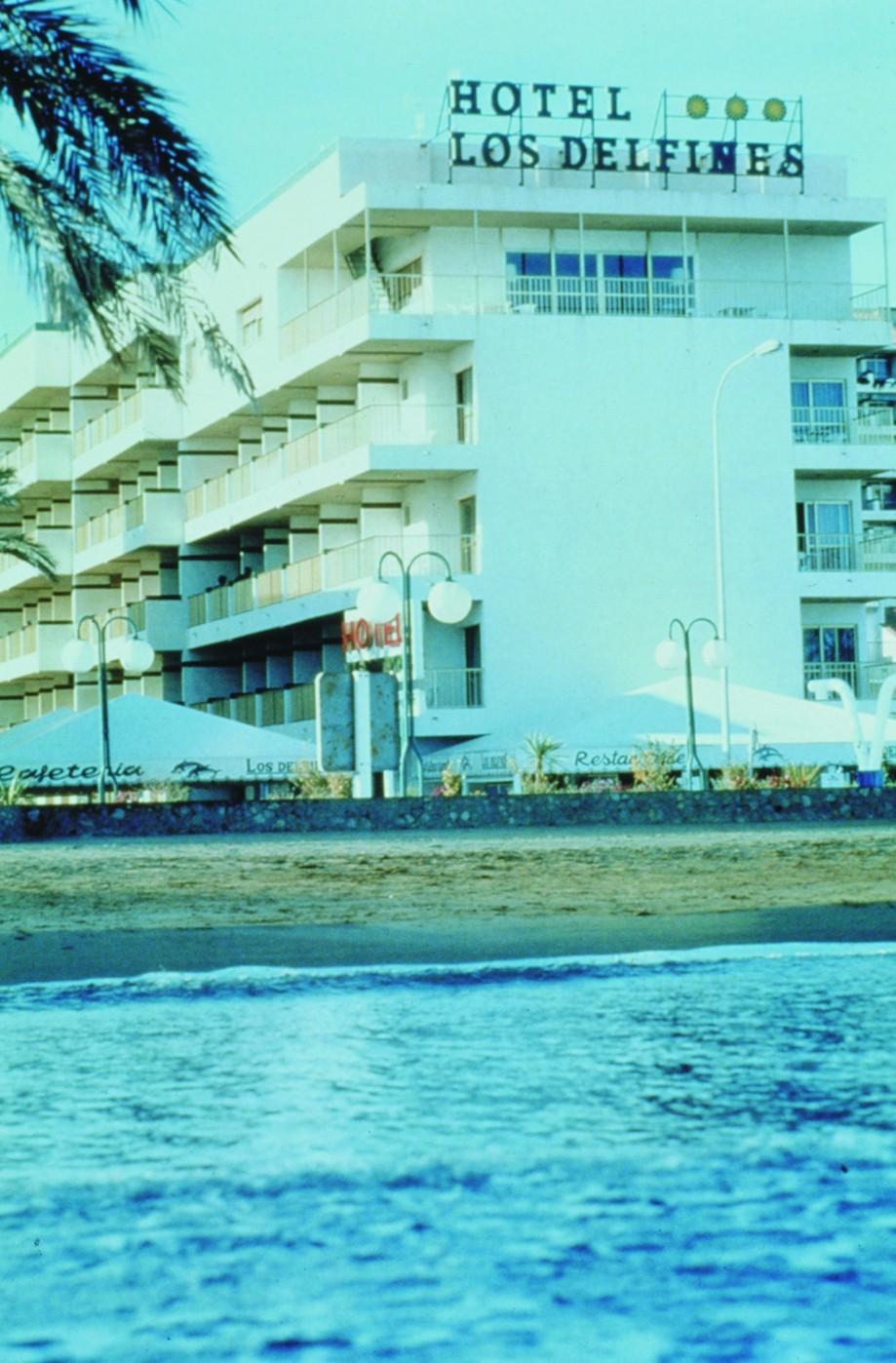 Hotel Husa Los Delfines Pescola Espaa  HotelSearchcom