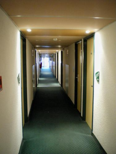 Hotel Mister Bed Bourges Cher France Hotelsearch Com