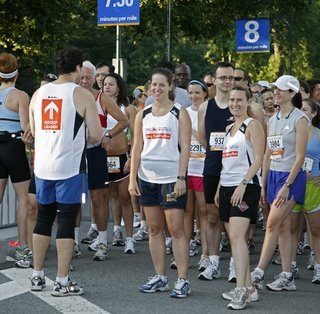 that's me in the pace leader singlet and flyer shorts on the right!