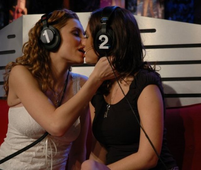 Of Course Including Gratuitous Hot Lesbian Babes From The Howard Stern Show Also Help