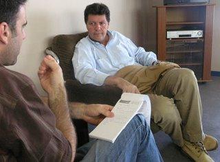 El veterano periodista durante un receso en la rueda de prensa previa al comienzo de las jornadas