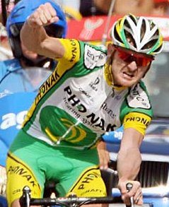 Floyd Landis wins stage 17 of the 2006 Tour
