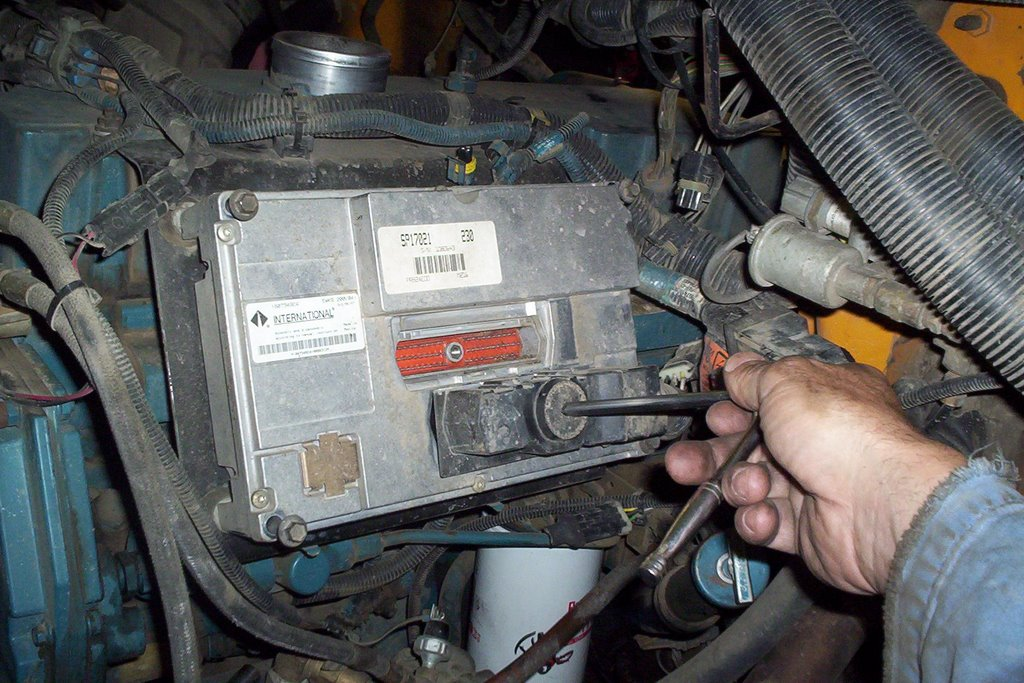 Engine Fuel Injectors Additionally International 4300 Wiring Diagram