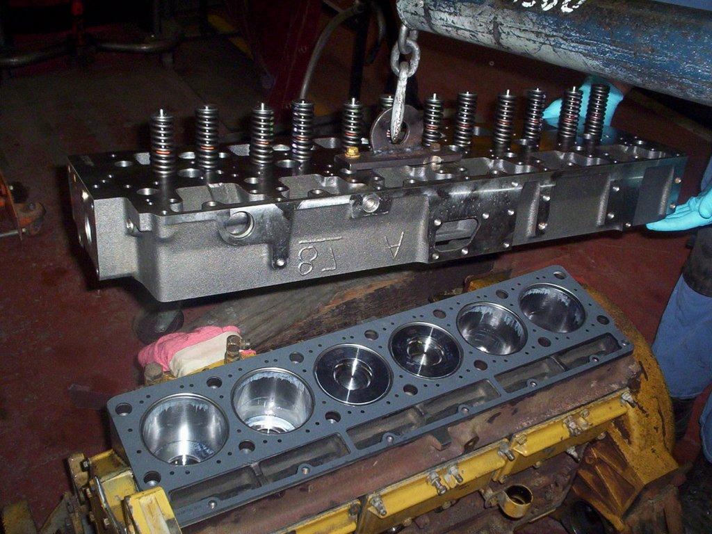 hight resolution of cat 3116 diesel engine cylinder head installation