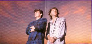 Jim Kerr y Charlie Burchill, en una foto promocional del directo en París