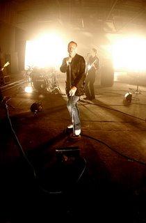 Fotograma del vídeoclip 'Home'