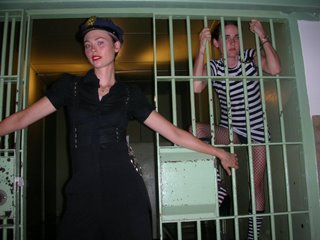 Ditty Bops in Jail (photo taken from their web site)