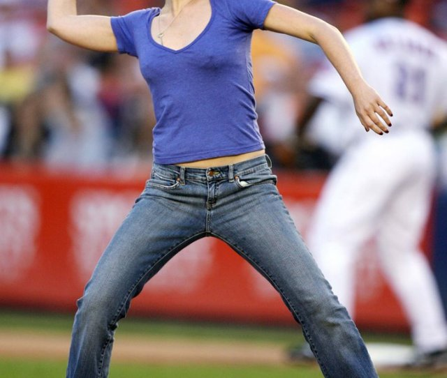 Julia Stiles At The Mets Game On Memorial Day
