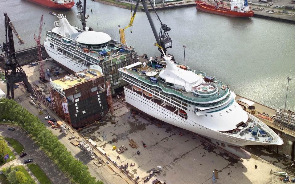 Afbeeldingsresultaat voor Enchantment of the Seas drydock
