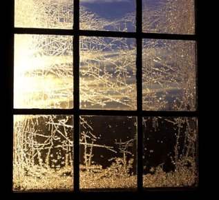 muse of the moment...: Frost on windows
