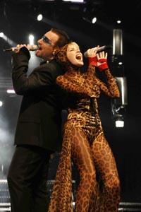 Kylie Minogue, Bono