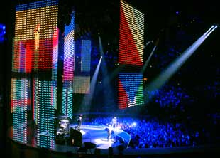 U2 Vertigo Tour