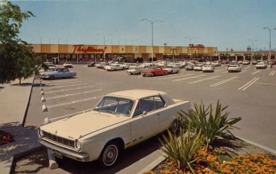Santa Maria Mall, California