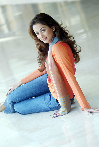 Swades - Hindi Movie Heroine & Model turned Actress - Gayathri Joshi