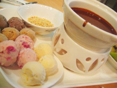 Haagen Daz Chocolate Fondue