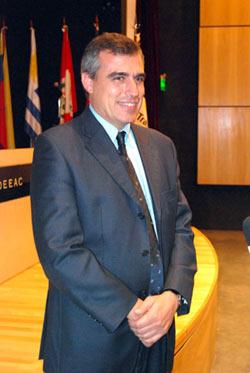 Pierre Pere Padrosa, vicepresidente de la International Road Transport Union (IRU) y titular de la Asociación del Transporte Internacional por Carretera (ASTIC)
