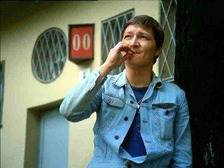 El director Reiner Werner Fassbinder en la película La ley del más fuerte