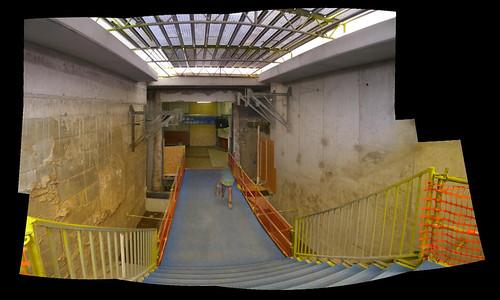 De nieuwe trap naar beneden