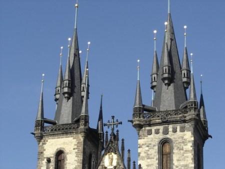 Torres en Praga, de la iglesia de Tyn