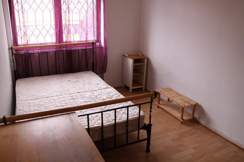 'excelent 3 Bedroom Exlocal Authority Apartment In' Room