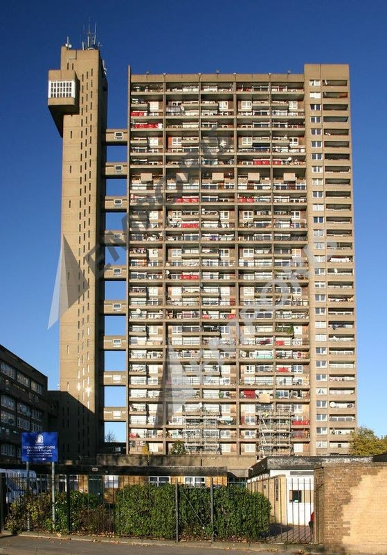 A Trellick Tower double bedroom 22nd floor Room to Rent from SpareRoom