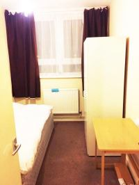 'Single Room (+ Living Room) in Bow, Canary Wharf' Room to ...
